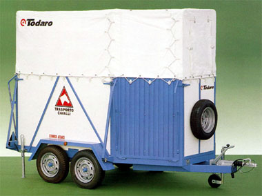 Ttc 1200 curtained english trailer tow for horses for Todaro rimorchi